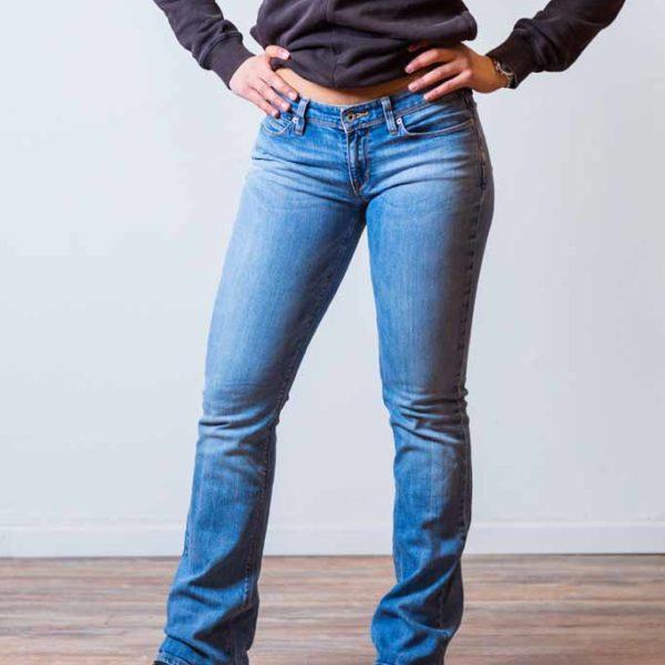 Levis Jeans 572 Boot Cut